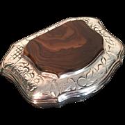 18th c Snuff box. Agate Solid Silver. England ca 1760, poss Norwich.