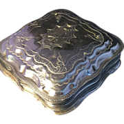 Antique solid silver Dutch pill box. Fully Hallmarked for Holland 1879.
