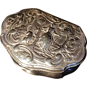 Fabulous 18th C Snuff Box. Hallmarked c1750.