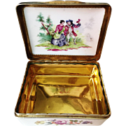 18th C SILVER GILT MOUNTED GERMAN PORCELAIN SNUFF BOX. STUNNING!