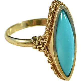 Beautiful Vintage 18k Gold Turquoise Ring. Eastern Mediterranean, early to mid 1900s.
