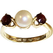 18k Gold Garnet and Pearl Ring. Year 1943 G Dahlgren, Sweden. Mid Century. 3.2gram