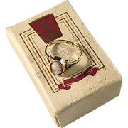 Garmland, Sweden year 1933 Art Deco 18k Gold Cameo Ring in Box.