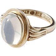 Wahlberg, Sweden year 1948 Mid Century 18k Gold Moonstone Ring.