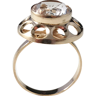 ON.la, Sweden 1960s in between Mid Century and Modernist 18k Gold Rock Crystal Ring.