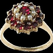 Thomasson & Jonsson, Stockholm year 1927, 18k Gold Garnet Pearl Ring. Excellent.