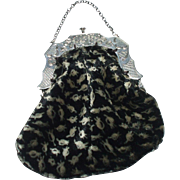 A Very Pretty Antique  Dutch Velvet Purse With Silver Handle Hallmarked For 1863  *** FREE WORLDWIDE POSTAGE ***