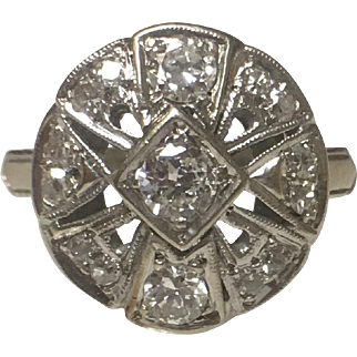 14k White Gold Art Deco Diamond Round Dinner Ring