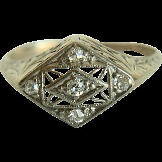 14k Yellow Gold Diamond Ring~ Size 6.75