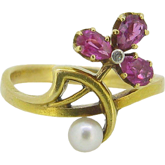 Antique Art Nouveau rubies and pearl ring, 18kt gold, c.1900