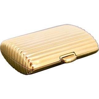 French Vintage Pills box by CHAUMET, 18kt gold, circa 1960/70
