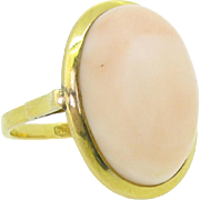 Nice Vintage Angel skin coral set on 18kt yellow gold, c.1960