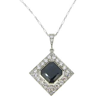 ART DECO sapphire and diamonds pendant, platinum, c.1925