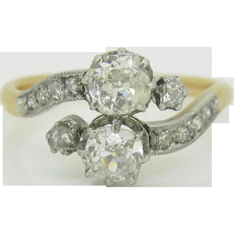 A beautiful Edwardian bypass diamonds ring, 18kt gold and platinum, c.1910