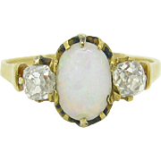 Antique victorian Opal and diamonds ring, 18kt gold, c.1860