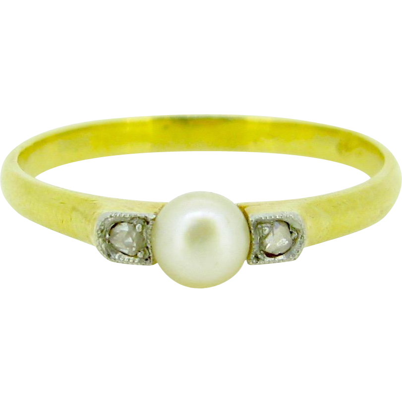 French Edwardian Natural pearl and rose cut diamonds ring, 18kt gold and platinum