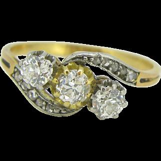 Art Nouveau 3 diamonds ring, 18kt gold and platinum ~ c.1900