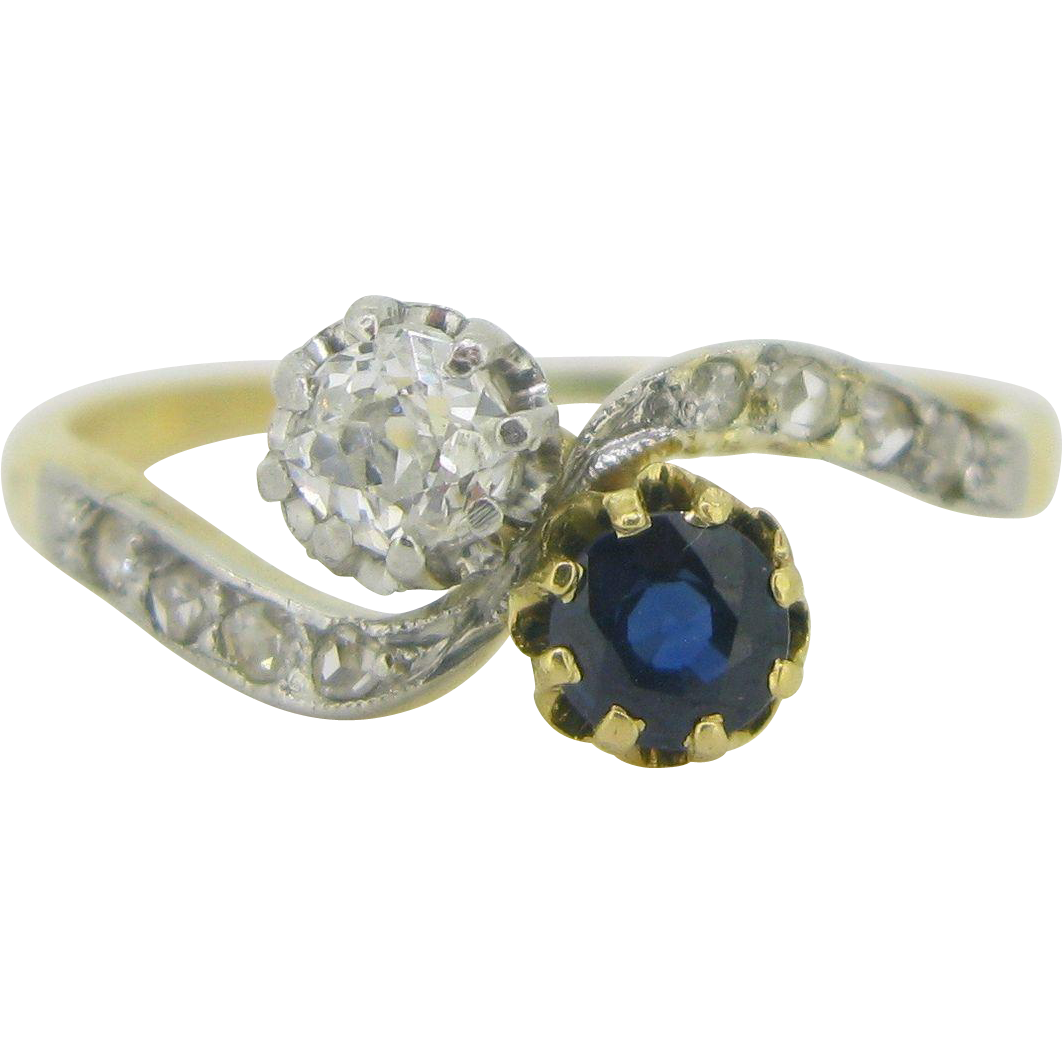 Sapphire andDiamond CROSSOVER, TOI ET MOI ring, 18kt gold and platinum, c.1905