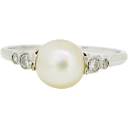 French Edwardian Natural pearl and diamonds ring, 18kt gold and platinum, c.1910