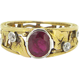 Art Nouveau Ruby and Diamonds ring, 18kt gold and platinum, circa 1905