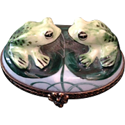 Limoge twin frogs box,