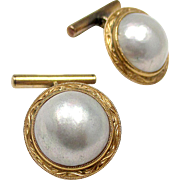 Very Nice 18K Yellow Gold Mobe Pearl Cufflinks