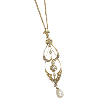 Very Pretty 10K Yellow Gold Freshwater & Seed Pearl Lavalier