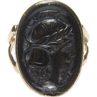 Very Neat 10K Yellow Gold Molded Glass Cameo Ring