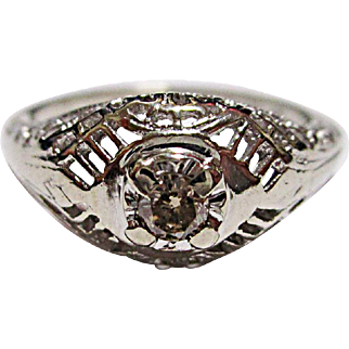 Beautiful 14K White Gold Filigree Diamond Ring