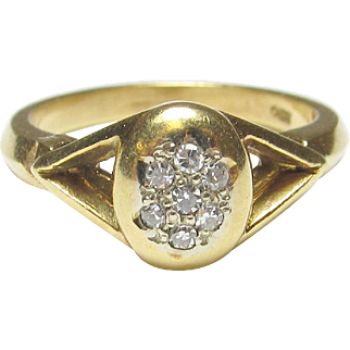 Beautiful 18K Yellow Gold Diamond Ring