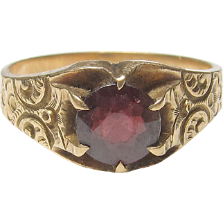 Wonderful 10K Yellow Gold Garnet Ring