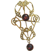 1880's Victorian 9K Yellow Gold Natural Red Garnet And Seed Pearl Brooch