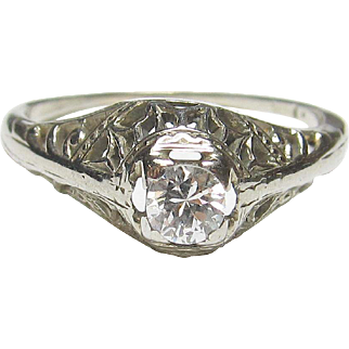 Beautiful 14K White Gold Diamond Filigree Ring
