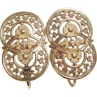 1940's Vintage 10K Yellow Gold Floral Cut Out Design Screw Back Earrings