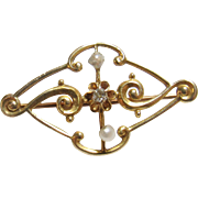1910's Edwardian 10K Yellow Gold 0.02 Ct Single Cut Diamond And Pearl Brooch Pin
