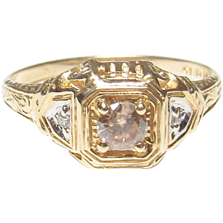 1940's Vintage Yellow Gold 0.16 Ct Brilliant Cut Light Cognac Diamond Ring 0.18 Cts Total