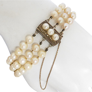 Vintage c1940 Cultured Akoya Pearl Three Strand Bracelet