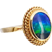 Vintage 9K Gold Opal Ring Vibrant Blue Green Colour in Double Rope Border