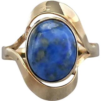 Vintage Retro 60's Lapis Lazuli Cocktail Ring in 9ct Gold