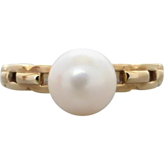 Vintage Lustrous Akoya White Pearl Dress Ring in 9K Yellow Gold