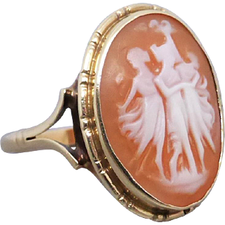 Vintage Three Graces Cameo Ring in 9k Gold, English