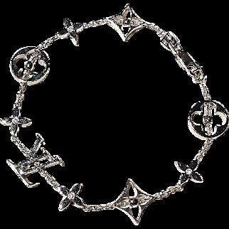 "Symbol Links Gold & Diamond Bracelet 18K W-Gold - Highly Polish Gold Blossoms ""LV"""