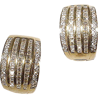 Elegantly Glow Diamond Earrings 18K- Y Gold Princess Diamonds Art Deco Style Huggies - Vintage 70's