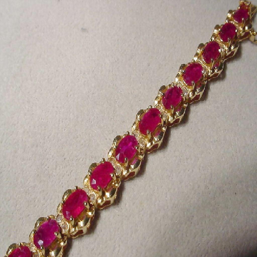 Supper Red Ruby Bracelet W Diamonds 14 Kt Y Gold