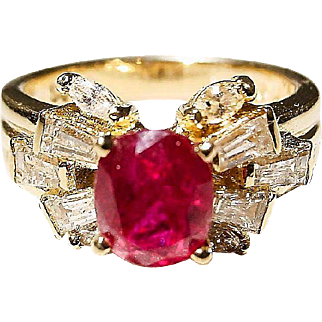 Smoldering Red Ruby & Diamond Ring 18K Y-Gold - Filigree Diamonds - Vintage 60's
