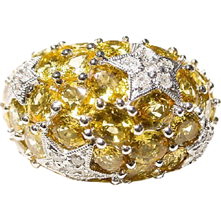 Blossom Yellow Sapphire Diamond Ring 18 KT W-Gold - Exquisite Dome & Bold Star