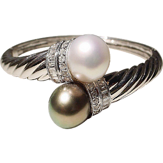 Sumptuous Bypass South Sea White Pearl & Tahitian Black Pearl Bangle Bracelet 18K W-Gold - Gem Pearls Diamonds Vintage