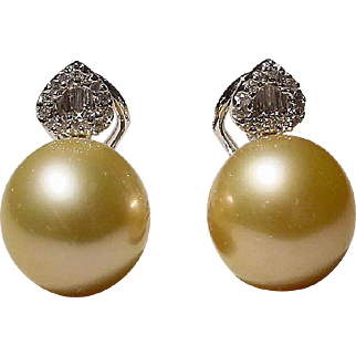 Heart-Knotted Diamonds Rich Golden South Sea Pearl Earrings 18KT W-Gold - Excellent Pearls 13 MM - Vintage 70's