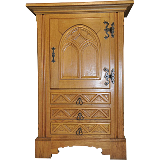 Vintage French Gothic Dining Room Cabinet Solid Oak Rustic Country Design GREAT Value