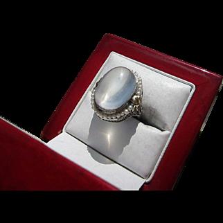 Beautiful Art Deco 10 kt. Gold  15 Carat Moonstone Ring    C.1920